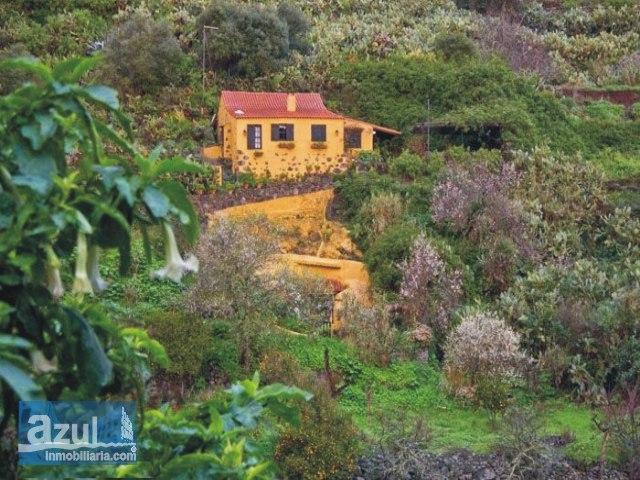 Finca aislada con sabor rural en plena naturaleza restaurada con exquisito gusto